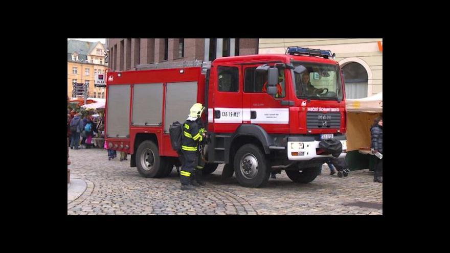 Video Bez komentáře: Na náměstí v Liberci unikal plyn