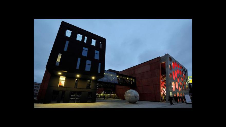 Video Nové divadlo v Plzni hlásí technické problémy