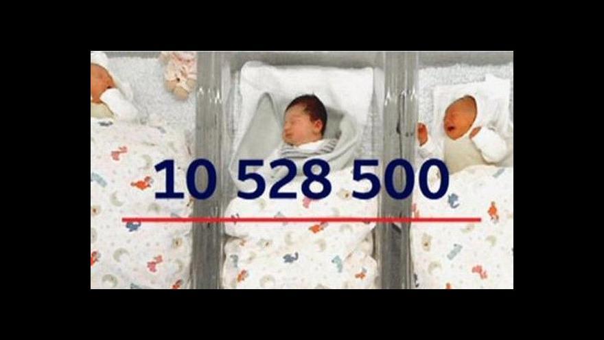 Video Události: V Česku žije o 16 tisíc lidí více než loni