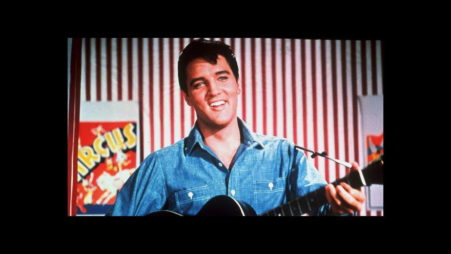 Video Londýn vystavuje Presleyho ve velkém