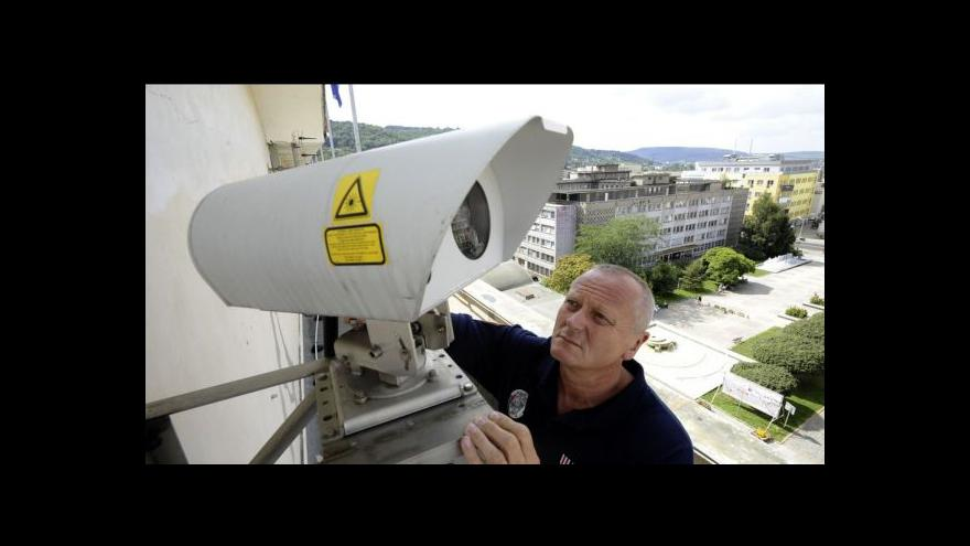 Video Kamery pomáhají odhalovat lupiče, loupeží ale příliš neubývá