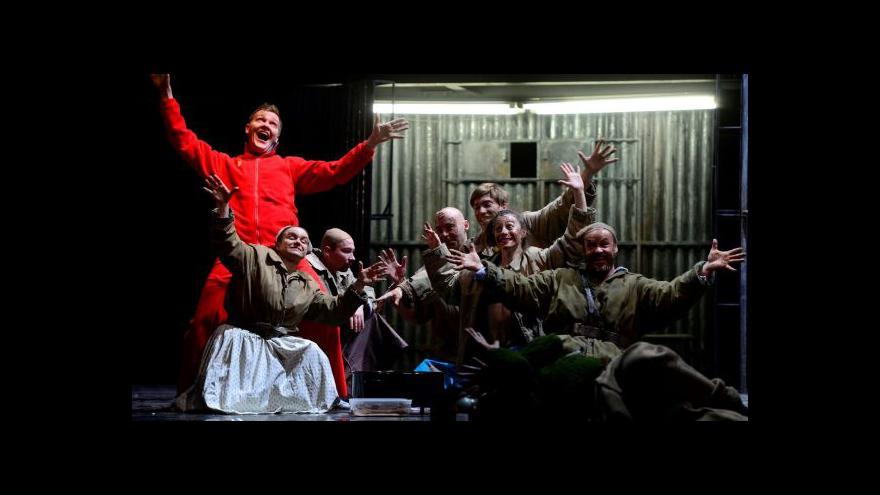 Video Národní divadlo uvádí operu o kolektivizaci