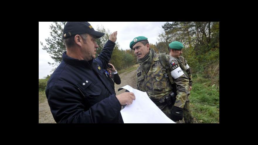 Video Do Vrbětic přijíždějí další vojáci