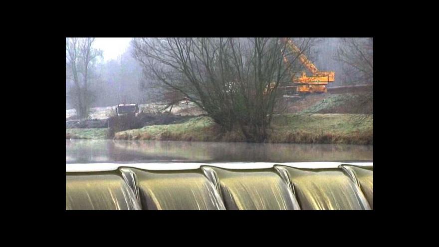 Video Vodohospodáři staví na Odře přechod pro ryby