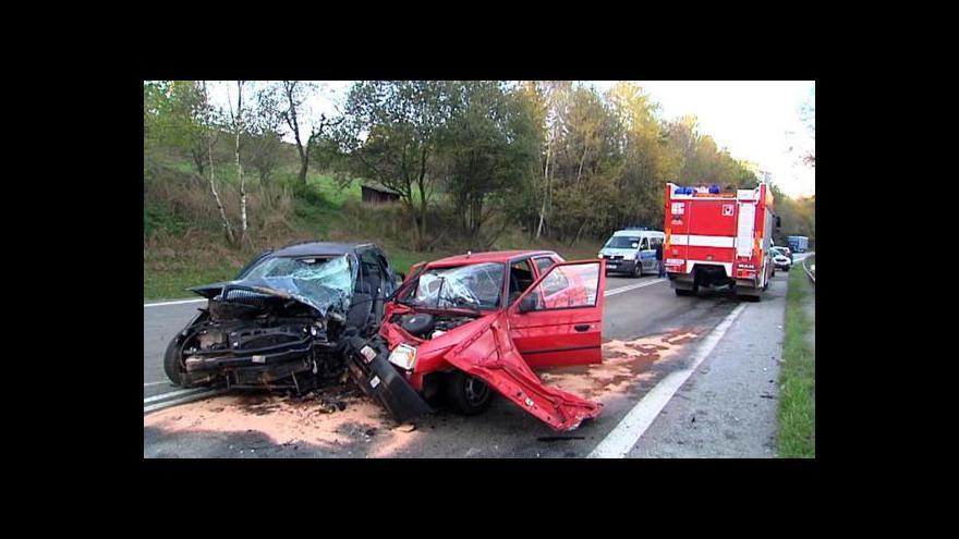 Video Počet obětí dopravních nehod letos stoupl