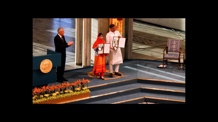 Video Malala a Satjárthí převzali Nobelovku