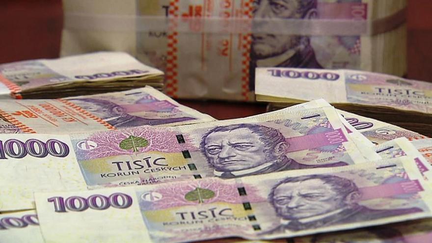 Video Události ČT: Schodek rozpočtu se zvýšil téměř na 30 miliard