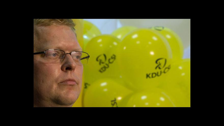 Video Bělobrádek: Platy jsme si ve skutečnosti snížili