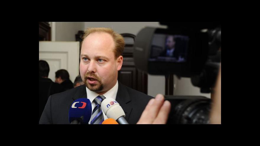 Video Interview ČT s Jeronýmem Tejcem o schválení platů