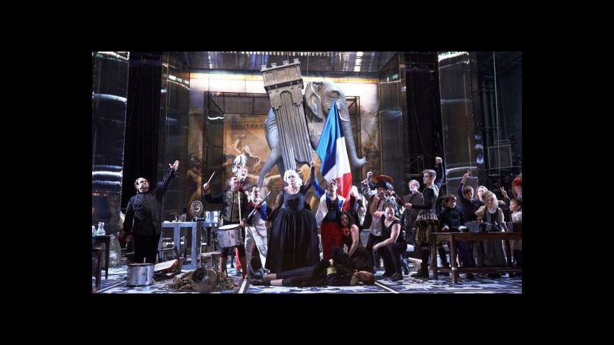 Video Národní divadlo nastudovalo anatomii revoluce