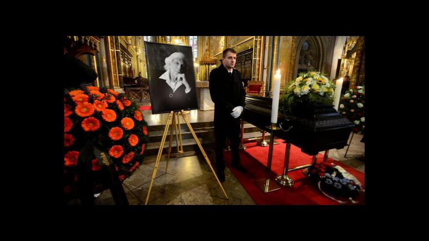 Video Rodina i veřejnost se rozloučily s Petrem Hapkou