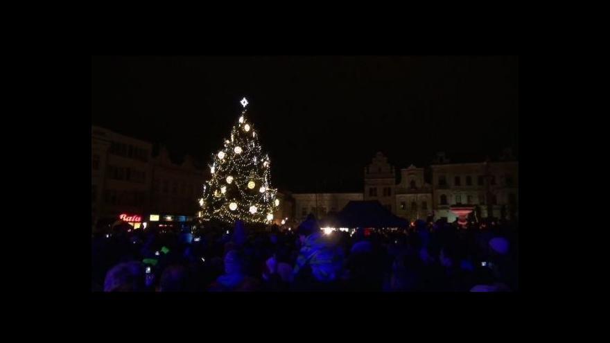 Video V Kolíně rozsvítili vánoční strom