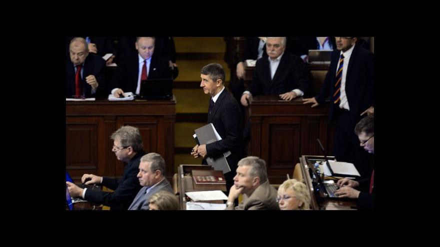 Video Koalice se opět neshodla na výši platů poslanců