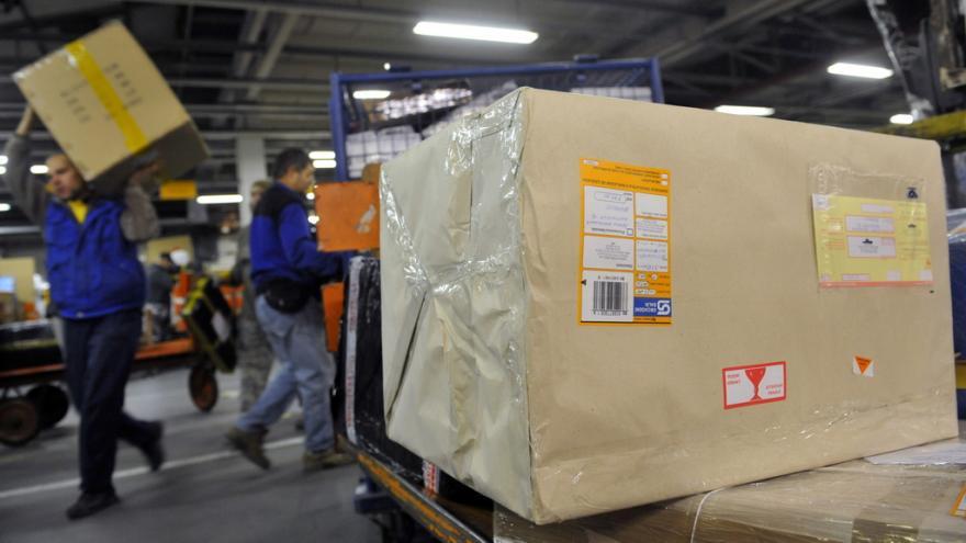 Video Pošta nestíhá odbavovat balíky