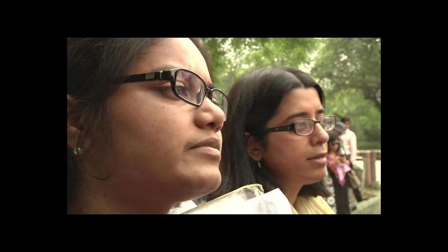 Video Horizont: Indky se ubránily útoku skupiny mužů