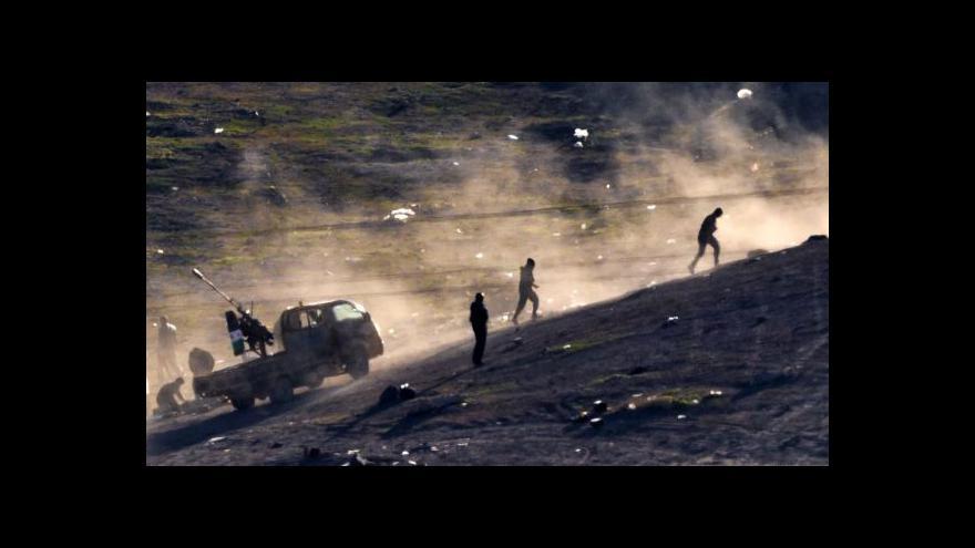 Video Spor o letecké údery na islamisty
