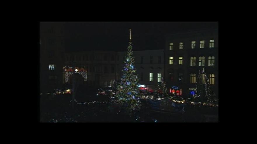 Video NO COMMENT: Rozsvícení stromu na náměstí Svobody v Brně