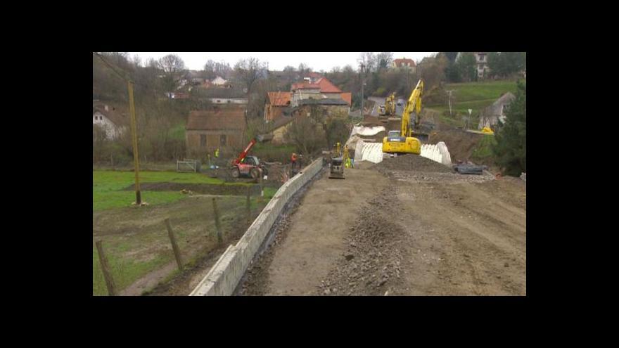 Video Most na místě zříceného se měl otevřít již v neděli