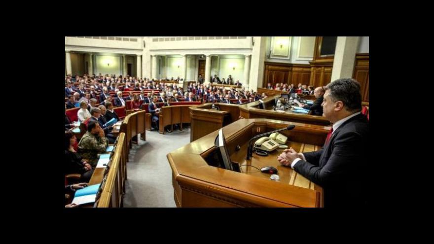 Video Události: Porošenko odmítl federalizaci, chce do NATO