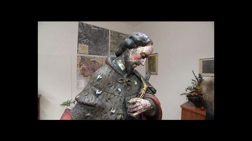 Video Ukradená socha se po 22 letech vrátila do Opavy