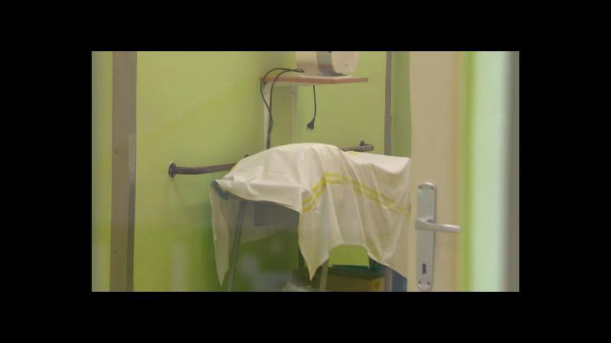 Video Události: Bývalá sestra obviněna z šestinásobné vraždy