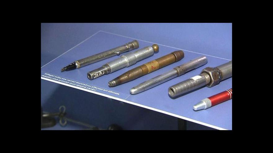 Video Při zbraňové amnestii se na policii dostaly i střílející tužky