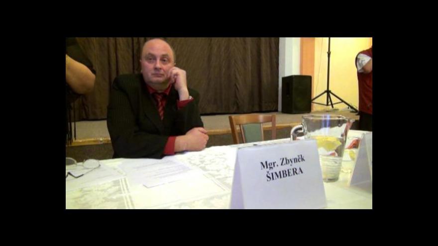 Video Ústecká ČSSD se postavila Sobotkovi, organizaci v Duchcově nezruší