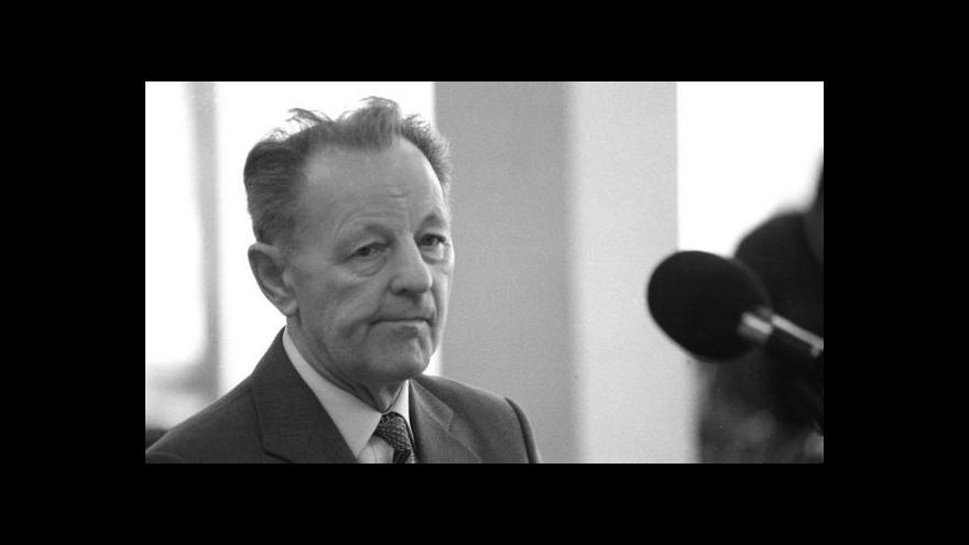 Video 25 let od rezignace Jakeše