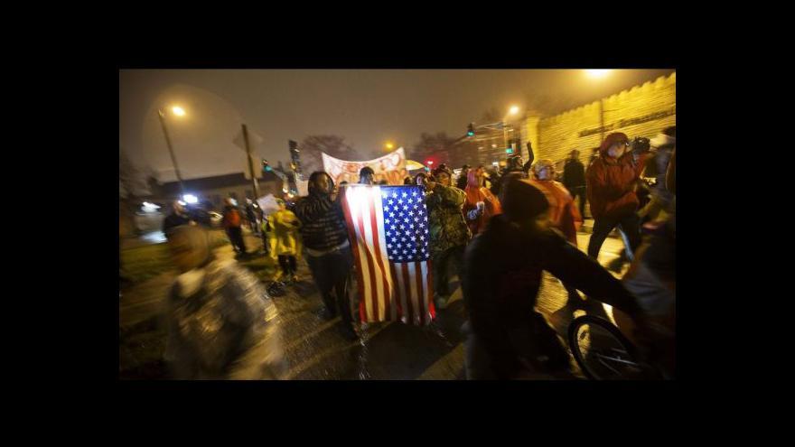 Video Ve Fergusonu roste napětí