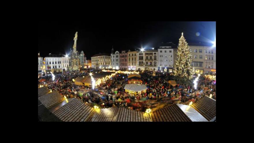 Video V Olomouci mají vánoční strom už dnes
