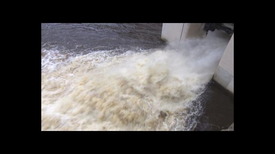 Video Vodohospodáři připravují přehrady na zimu