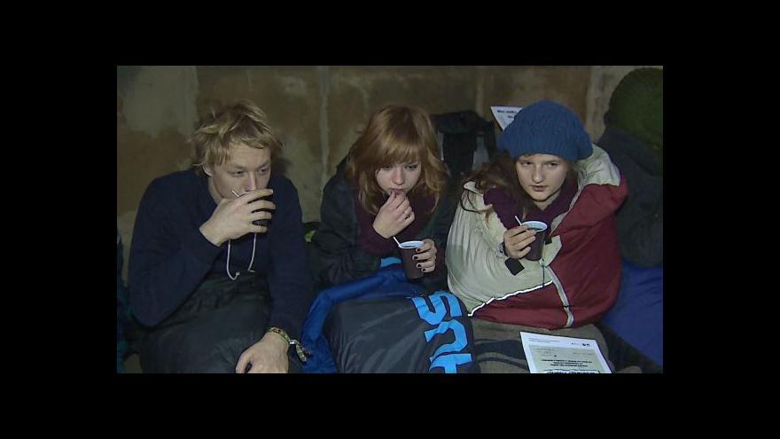 Video Události: Noc na dlažbě