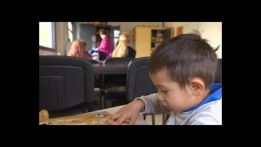 Video Ve Francii učí děti romských kočovníků zdarma