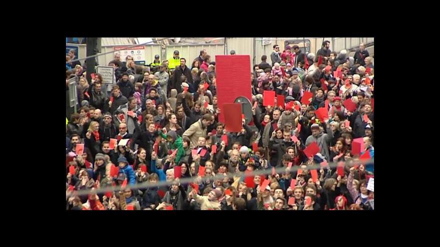 Video BEZ KOMENTÁŘE: Demonstrace proti Miloši Zemanovi na Národní třídě
