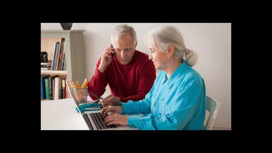 Video Pětina seniorů využívá mobilní aplikace a internet naplno