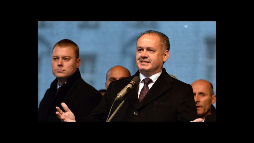 Video Kiska před jásajícím davem: 17. listopad je svátek Česka a Slovenska