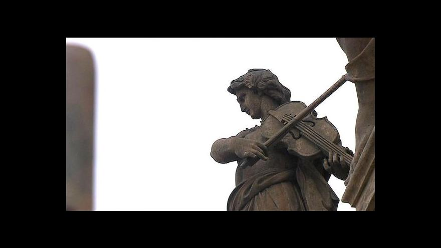 Video Rekonstrukce pražského Národního postupuje