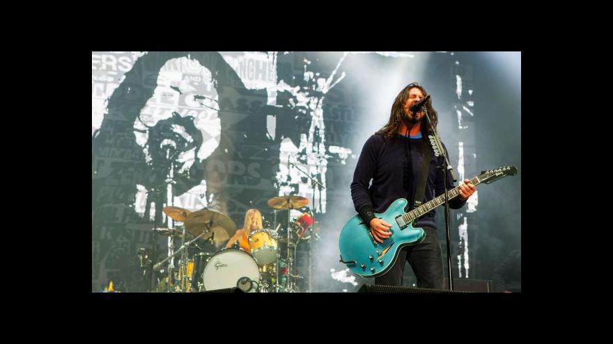 Video Foo Fighters vydávají nové album
