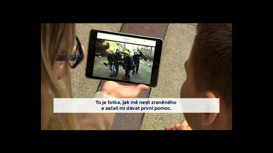 Video Stipendium pomáhá těm, kteří doma nemohou studovat kvůli politickému tlaku