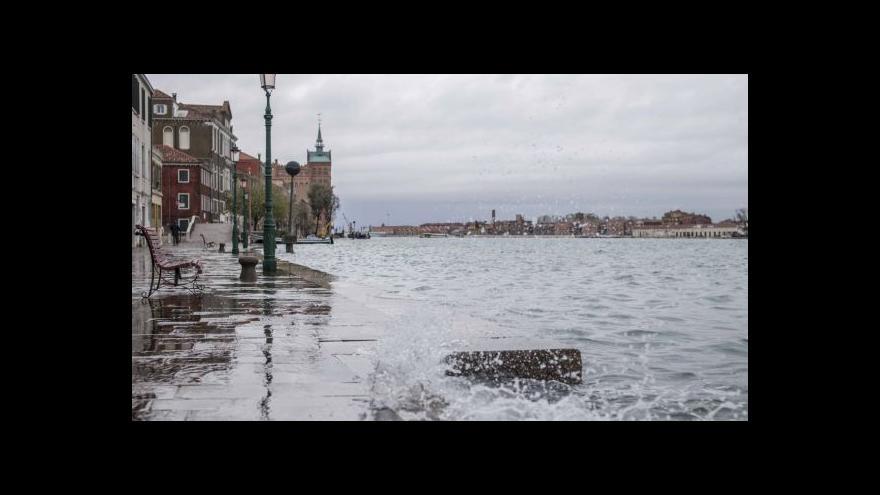 Video Italské záplavy mají další oběť