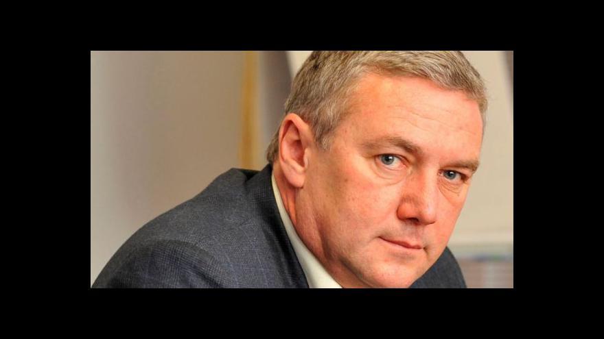 Video Brífink k rezignaci ministra dopravy Antonína Prachaře