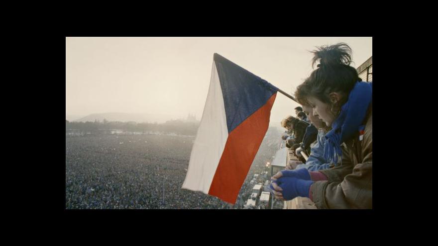 Video Změny v roce 1989 stály za to, myslí si dvě třetiny Čechů