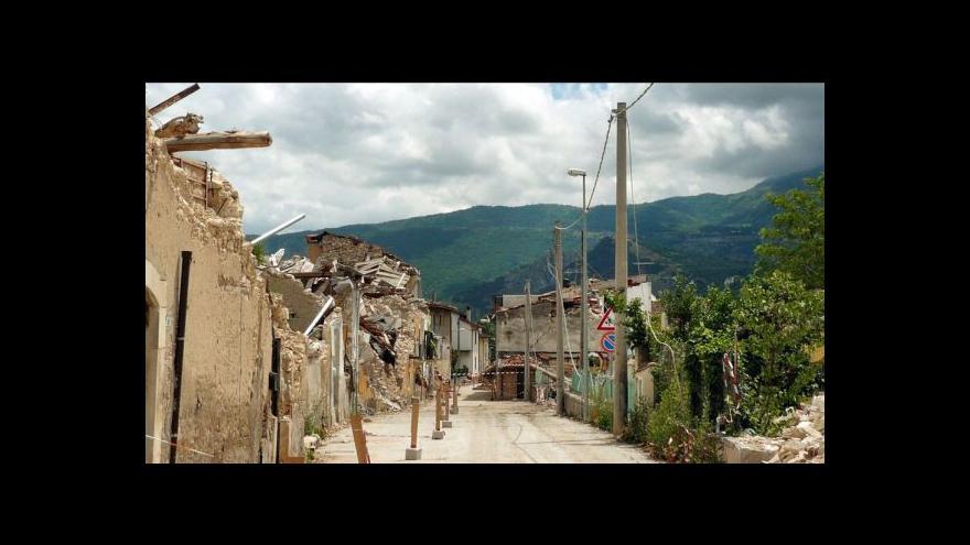 Video Rekonstrukci Aquily obchází strašák jménem korupce