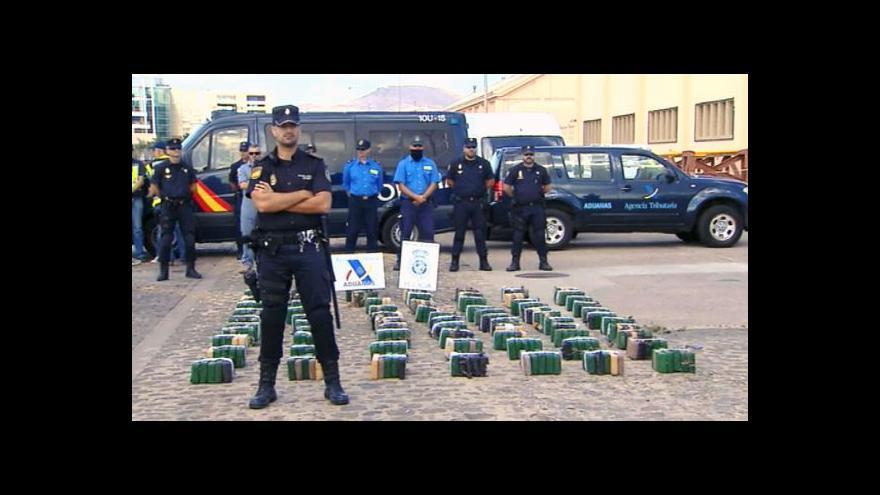 Video Čtyři Češi převáželi lodí čtvrt tuny kokainu