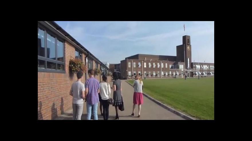 Video Gymnazisté z Příbrami na škole v Anglii
