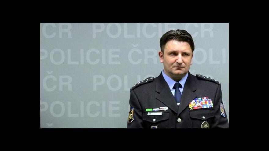 Video Reportáž: Policejní prezidium stáhlo kritizovanou hymnu
