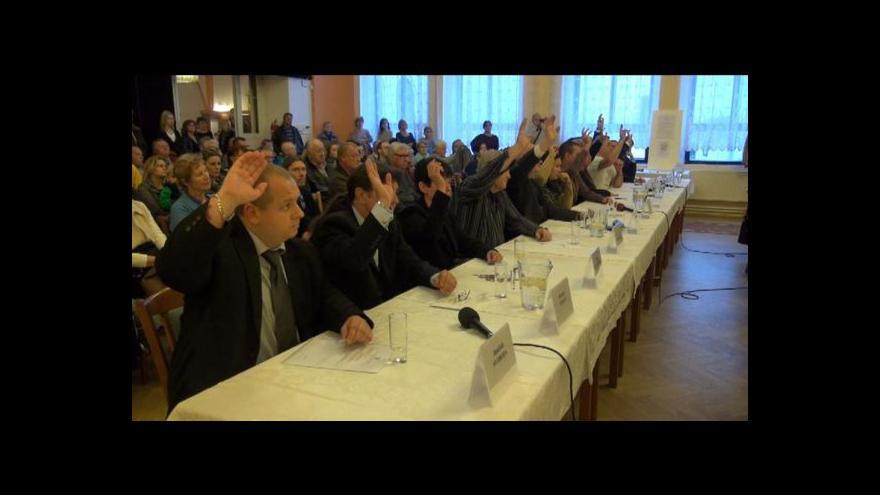 Video Od duchcovské koalice s DSSS se distancuje ČSSD i komunisté