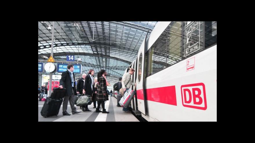 Video Události ČT: V Drážďanech čeká cestující přestup na autobus