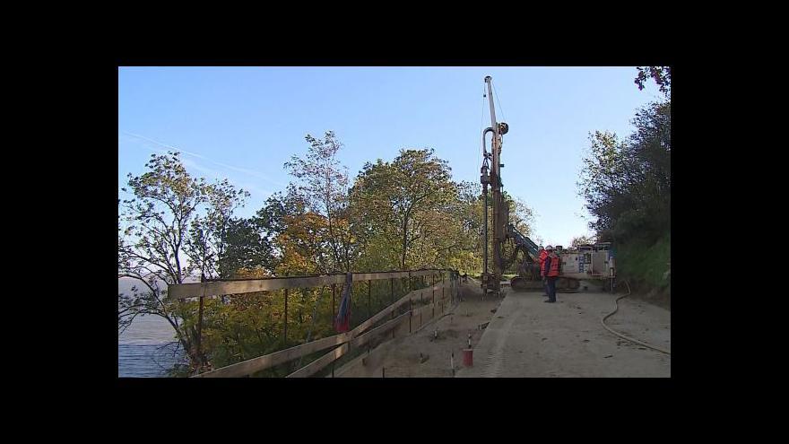 Video V Dolních Věstonicích zpevňují svah