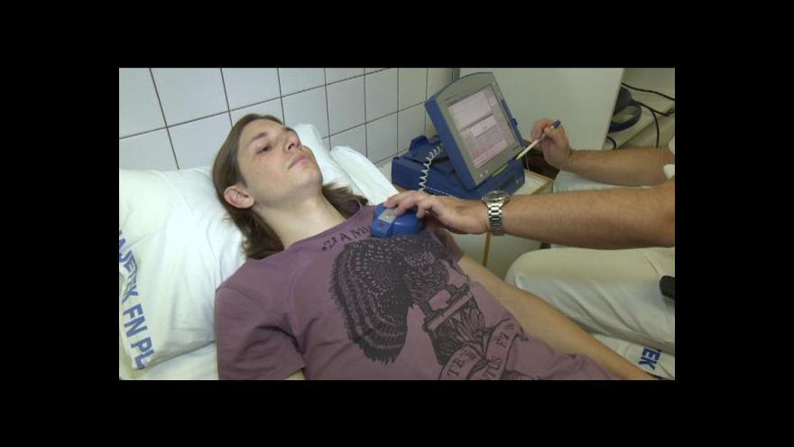 Video Lékaři sledují činnost srdce některých pacientů na dálku